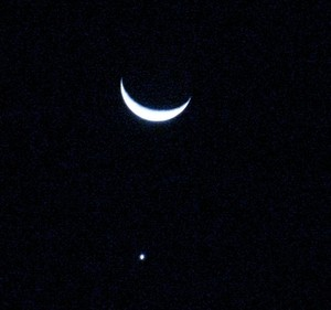 Moon and Venus close to conjunction