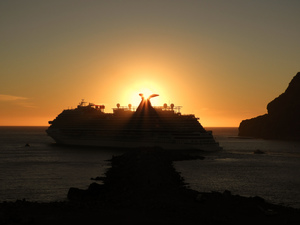 Cruise ship leaving Mazatlan harbour